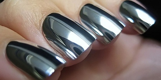 mirror-silver-nailart